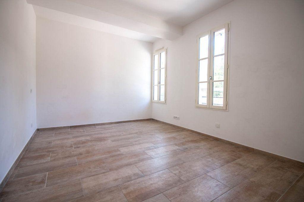 Appartement à louer 3 79.32m2 à Frémainville vignette-4