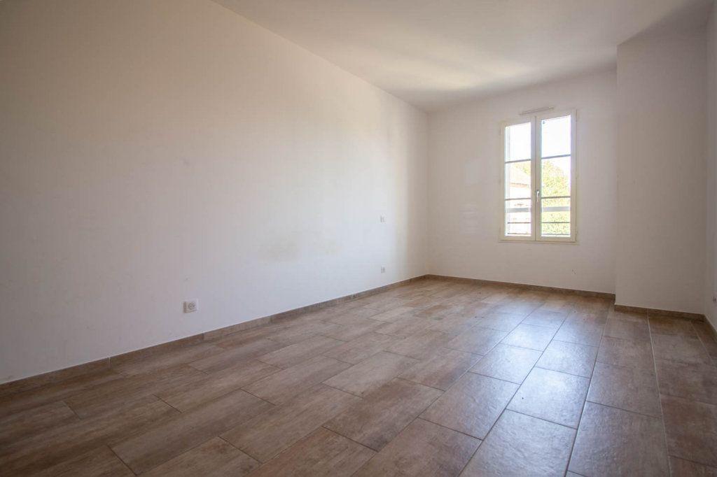 Appartement à louer 3 79.32m2 à Frémainville vignette-5