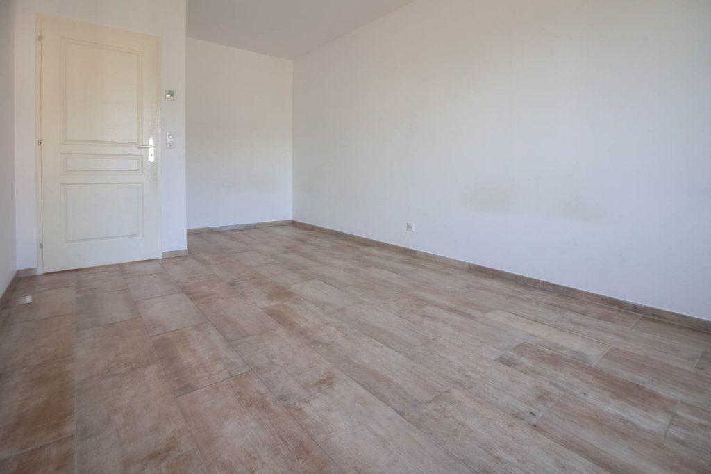 Appartement à louer 3 79.32m2 à Frémainville vignette-6
