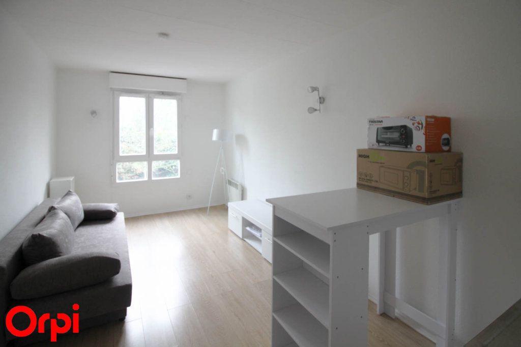 Appartement à louer 1 18m2 à Cergy vignette-1
