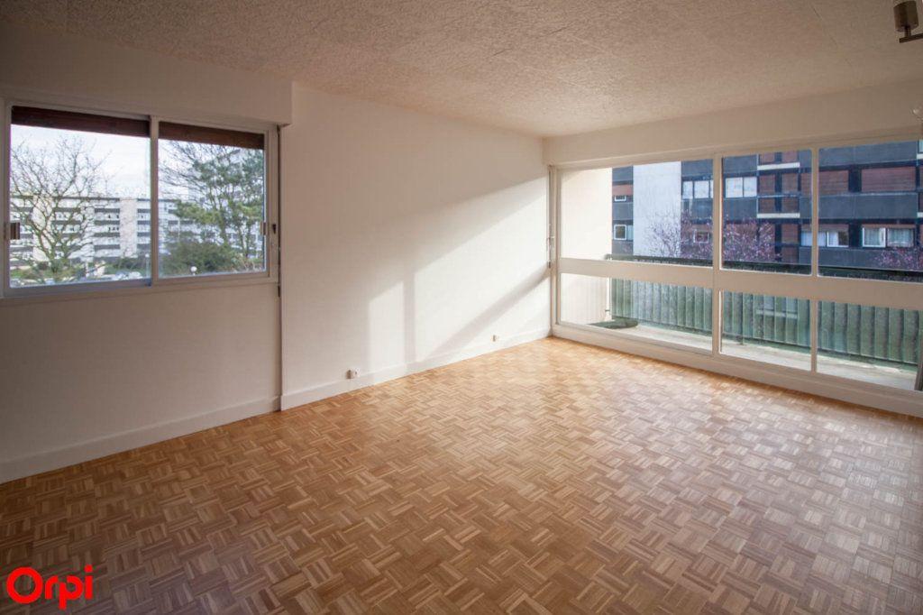 Appartement à louer 3 65.69m2 à Pontoise vignette-1