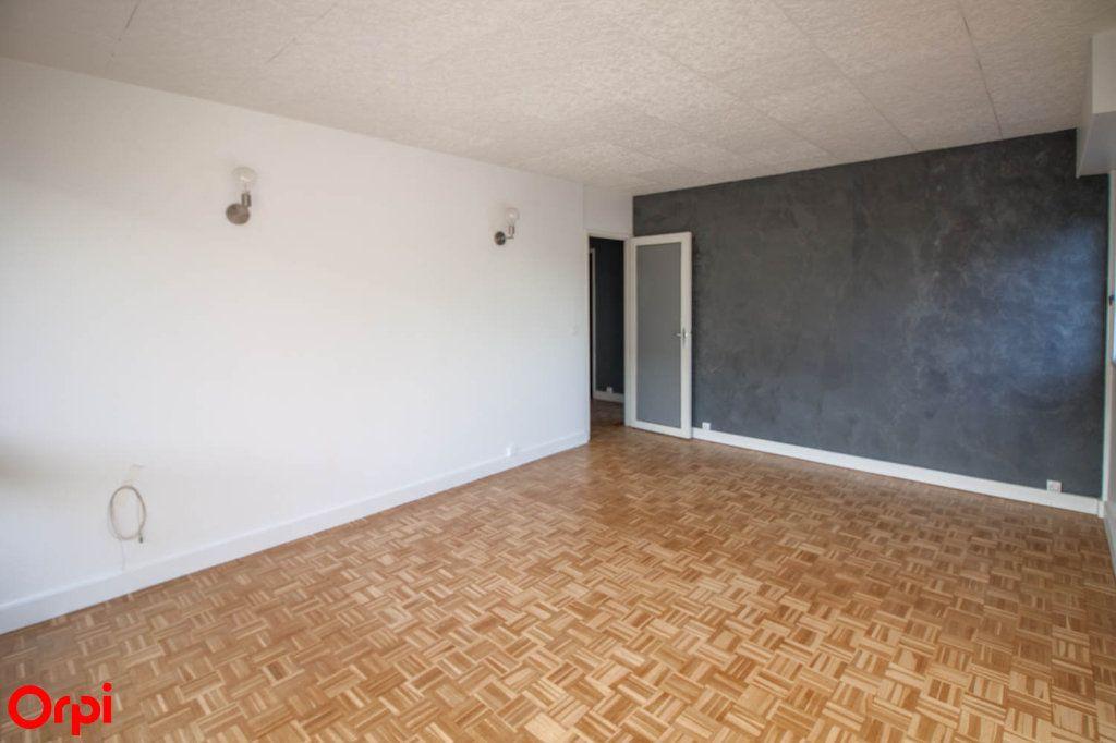 Appartement à louer 3 65.69m2 à Pontoise vignette-2