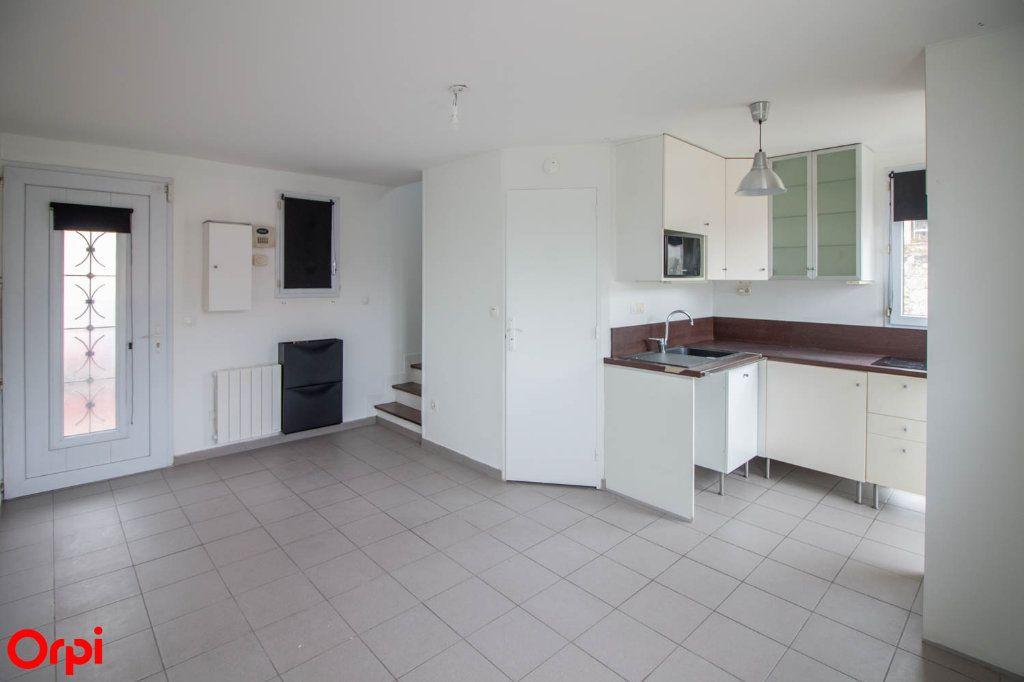 Appartement à louer 2 28.65m2 à Vauréal vignette-1