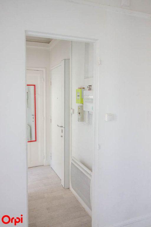 Appartement à louer 1 18.89m2 à Asnières-sur-Seine vignette-3