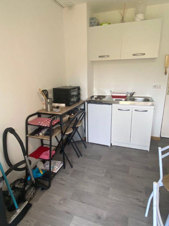 Appartement à louer 2 26.8m2 à Osny vignette-1