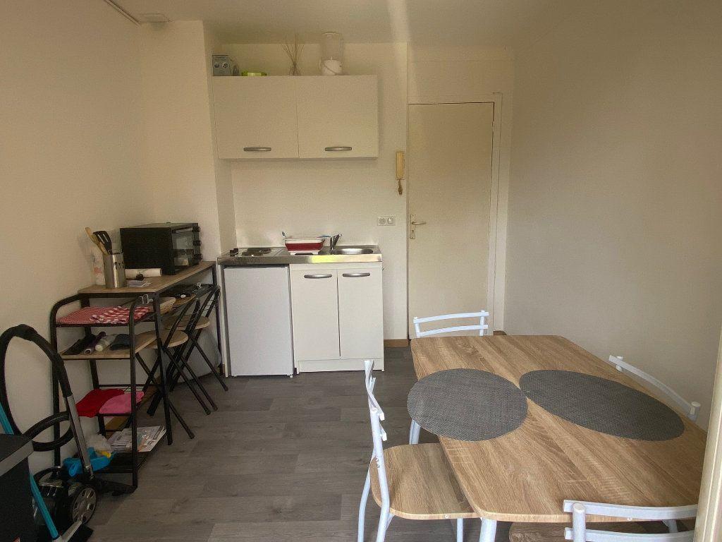 Appartement à louer 2 26.8m2 à Osny vignette-2
