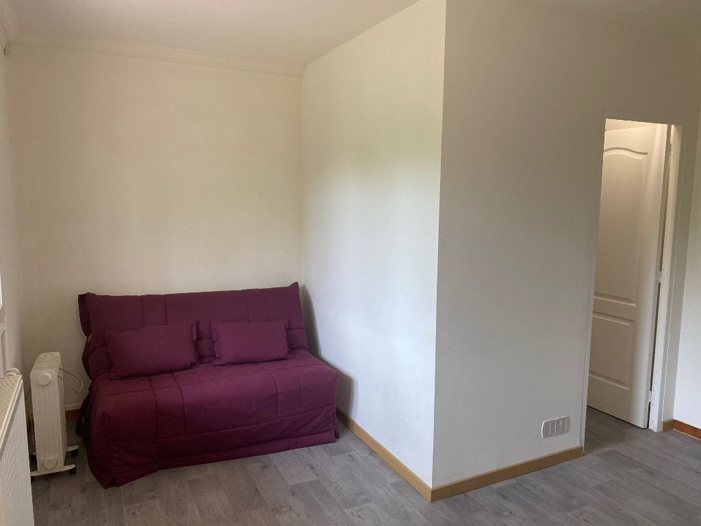 Appartement à louer 2 26.8m2 à Osny vignette-3