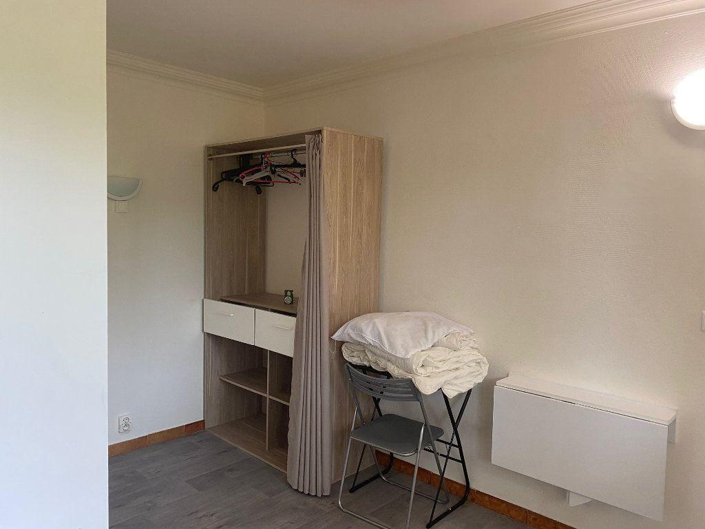 Appartement à louer 2 26.8m2 à Osny vignette-4