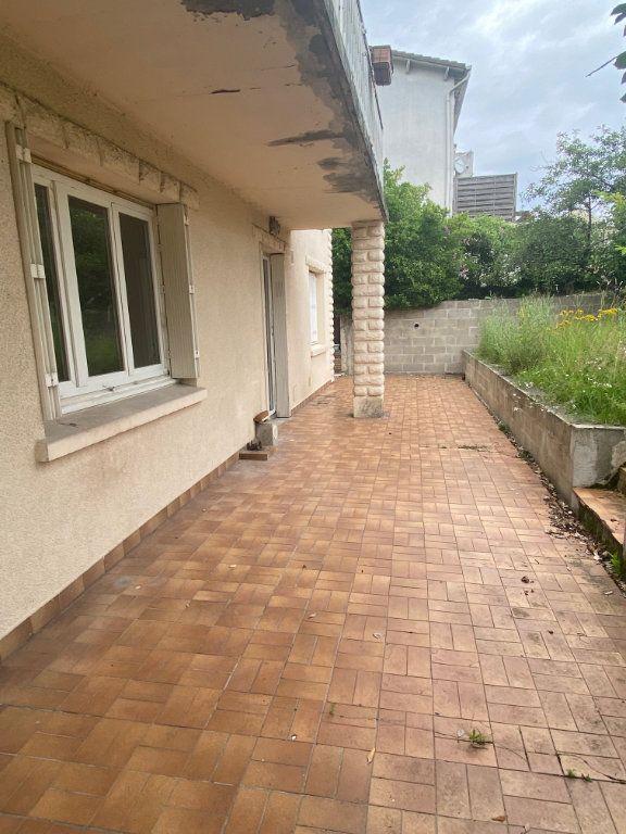 Appartement à louer 2 26.8m2 à Osny vignette-9