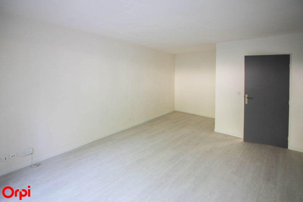 Appartement à louer 3 63.92m2 à Cergy vignette-1
