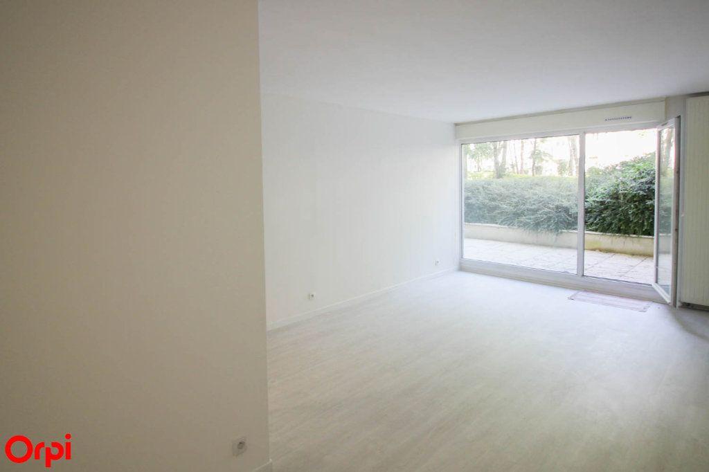 Appartement à louer 3 63.92m2 à Cergy vignette-2