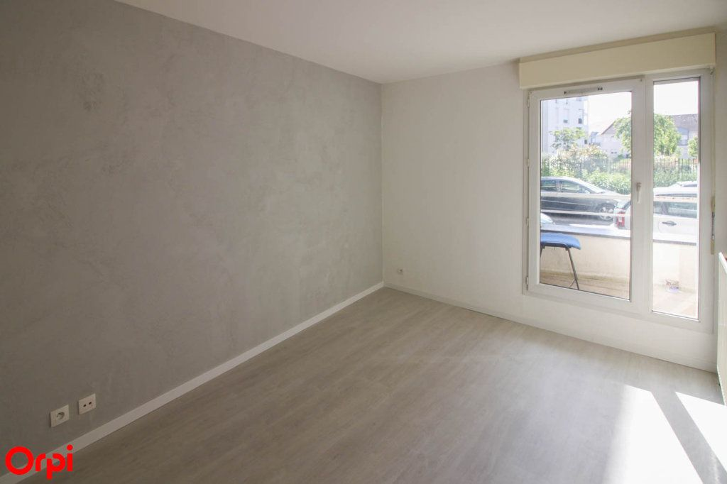 Appartement à louer 3 63.92m2 à Cergy vignette-8