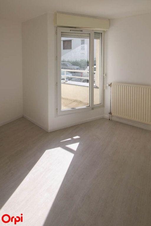 Appartement à louer 3 63.92m2 à Cergy vignette-9