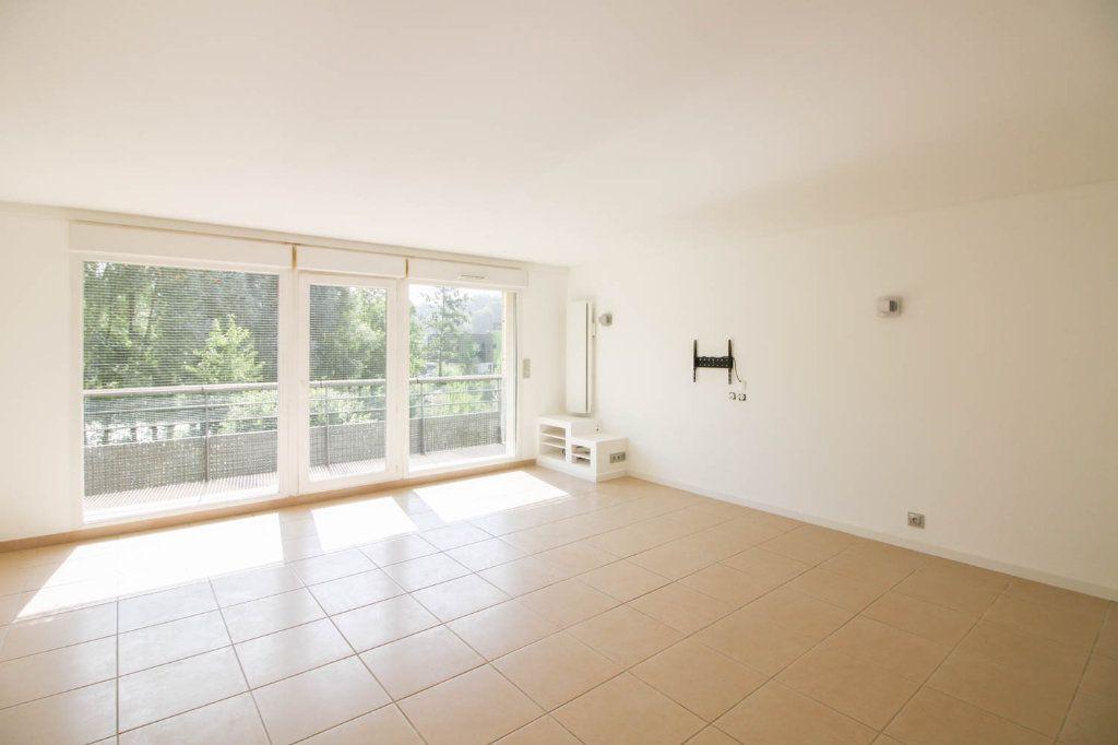 Appartement à louer 3 72.28m2 à Osny vignette-1