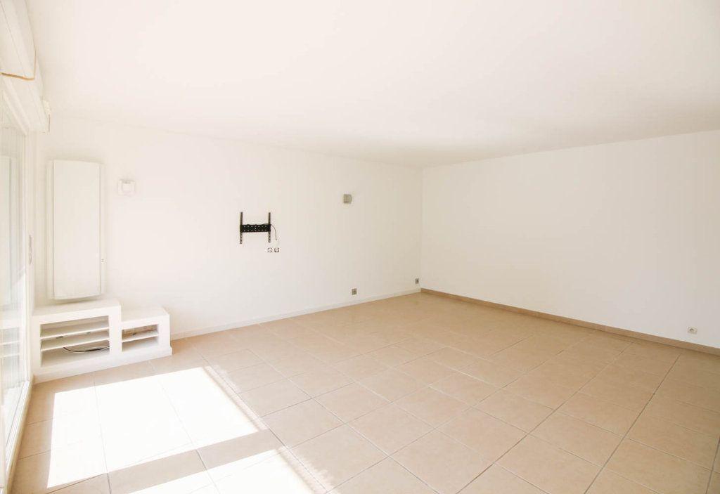 Appartement à louer 3 72.28m2 à Osny vignette-2