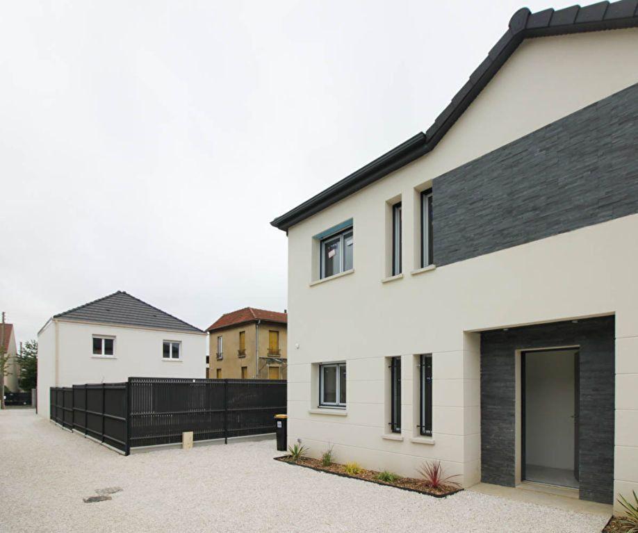 Maison à louer 4 85.98m2 à Argenteuil vignette-2