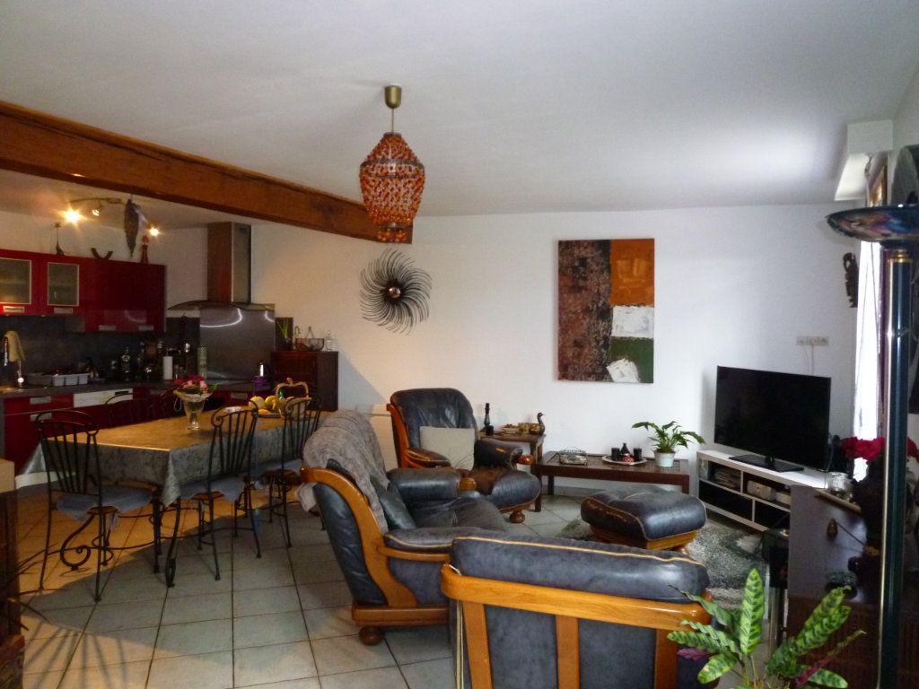 Maison à louer 4 105m2 à Chavençon vignette-3