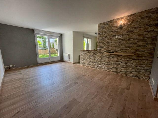 Appartement à louer 3 65m2 à Éragny vignette-1