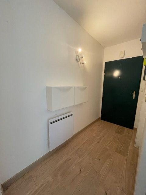 Appartement à louer 3 65m2 à Éragny vignette-3
