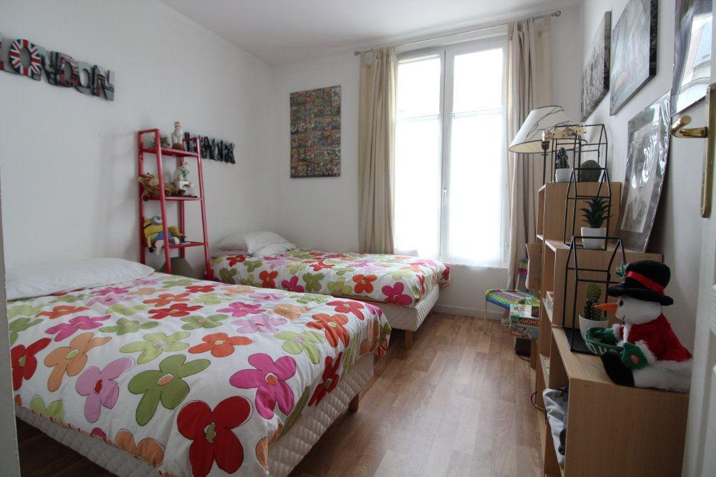 Appartement à vendre 3 60.86m2 à Crépy-en-Valois vignette-3