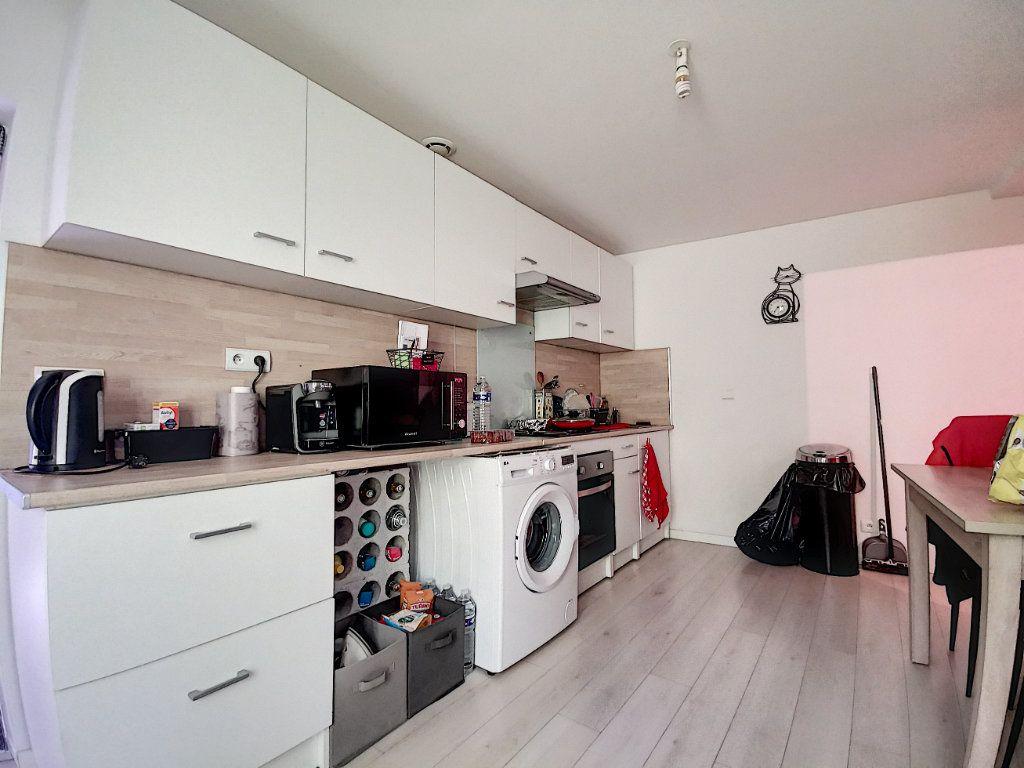 Appartement à louer 3 60m2 à Verberie vignette-1
