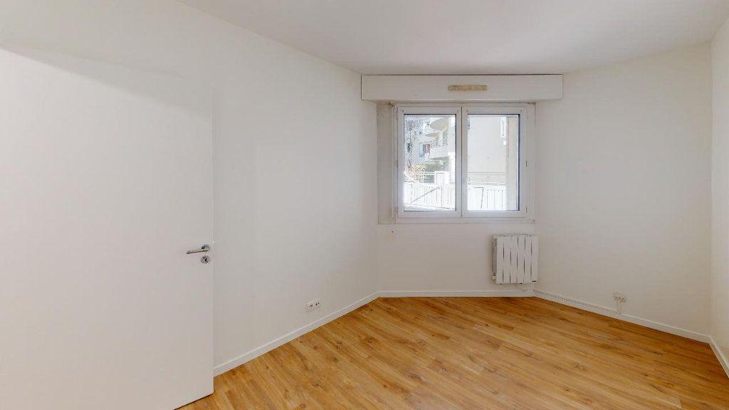 Appartement à louer 3 62m2 à Montrouge vignette-2