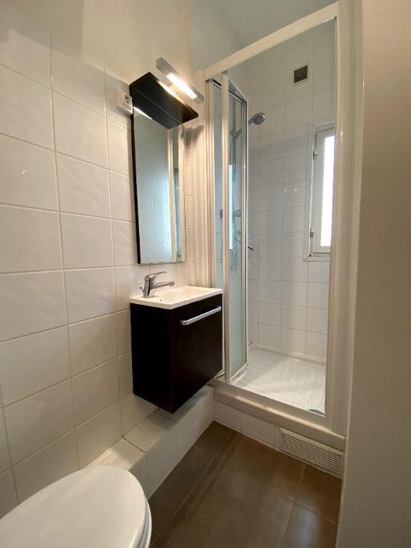 Appartement à louer 1 13m2 à Montrouge vignette-4