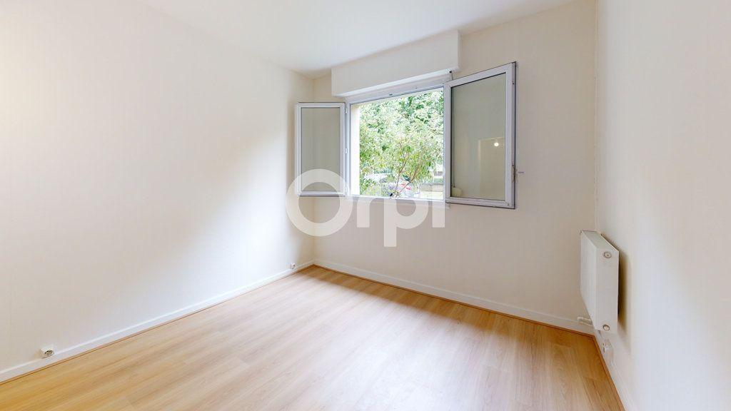 Appartement à vendre 4 65.01m2 à Montrouge vignette-3
