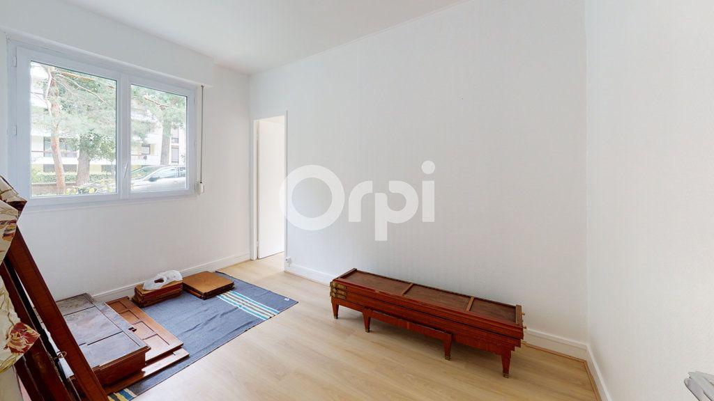 Appartement à vendre 4 65.01m2 à Montrouge vignette-4