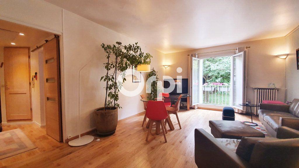 Appartement à vendre 4 80.78m2 à Montrouge vignette-2