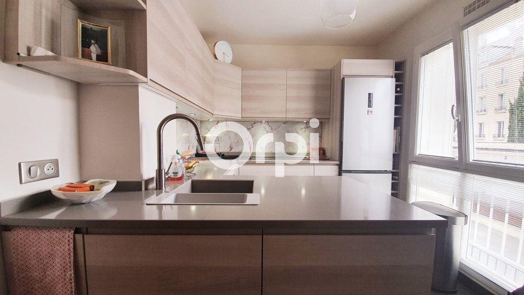 Appartement à vendre 4 80.78m2 à Montrouge vignette-4