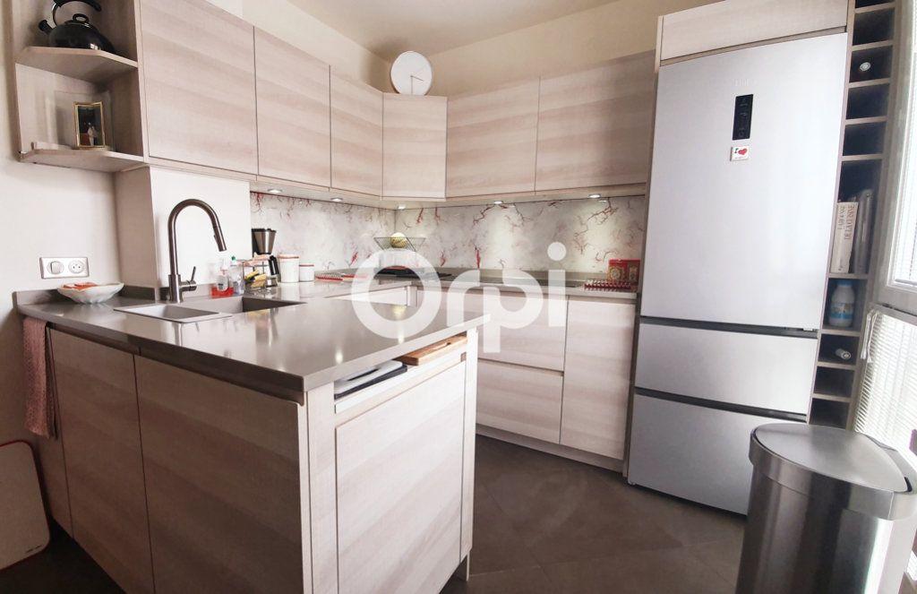 Appartement à vendre 4 80.78m2 à Montrouge vignette-5