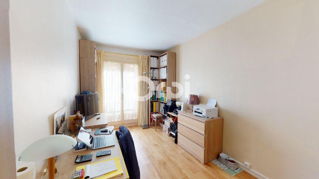 Appartement à vendre 4 80.78m2 à Montrouge vignette-6