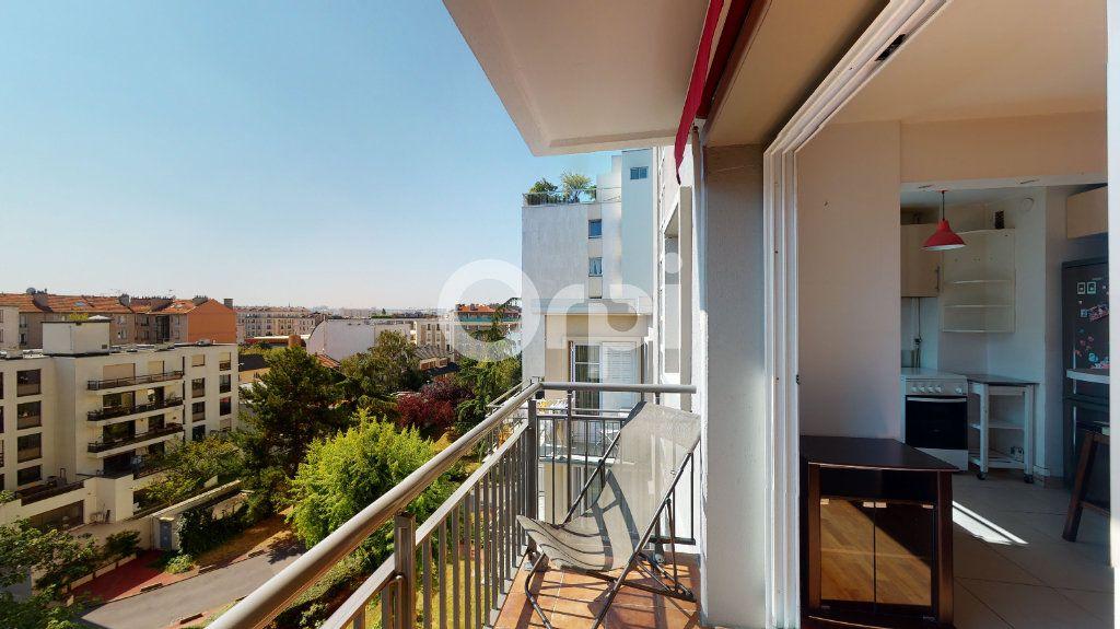 Appartement à vendre 4 71.65m2 à Montrouge vignette-2