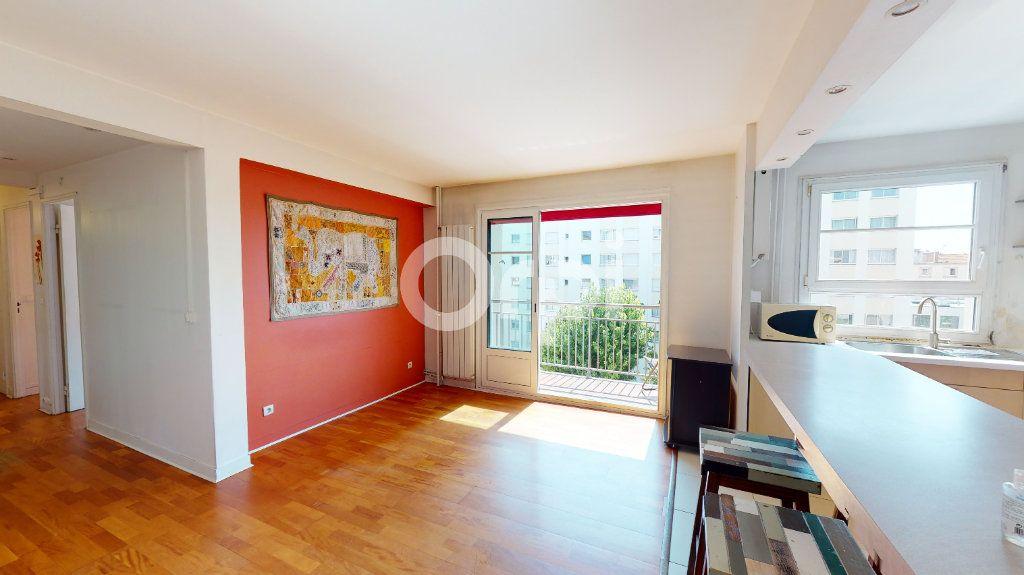 Appartement à vendre 4 71.65m2 à Montrouge vignette-4
