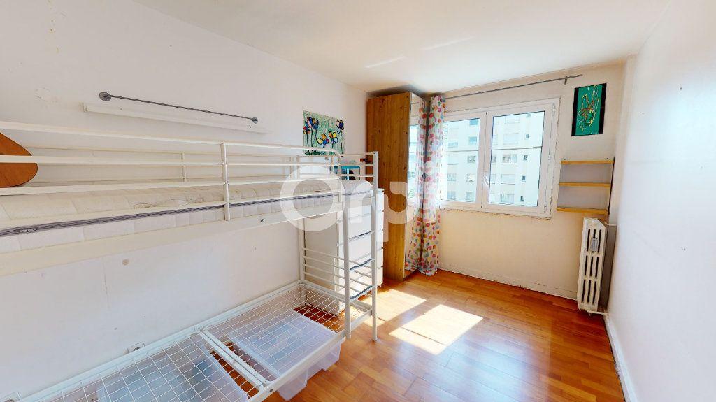 Appartement à vendre 4 71.65m2 à Montrouge vignette-9