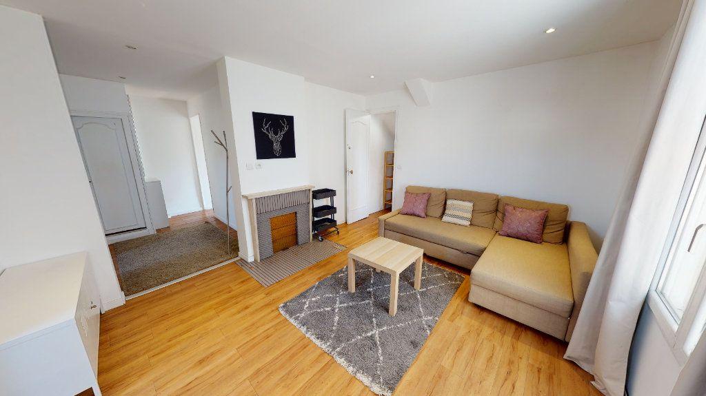 Appartement à louer 2 42.11m2 à Montrouge vignette-1