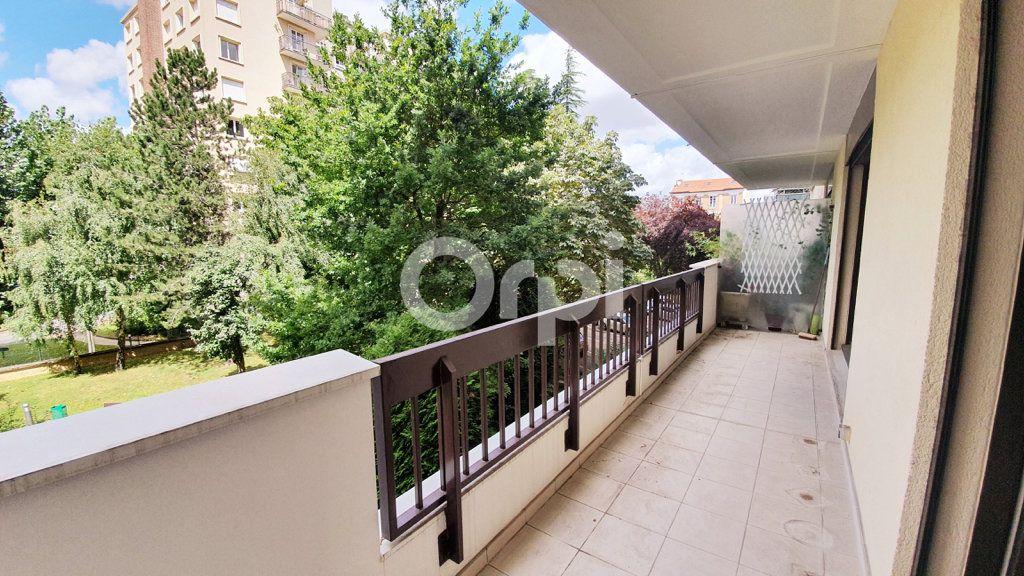 Appartement à vendre 3 65.95m2 à Montrouge vignette-2