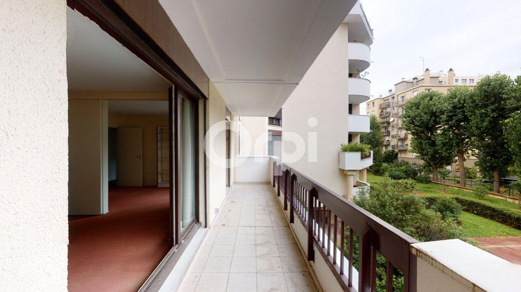 Appartement à vendre 3 65.95m2 à Montrouge vignette-3