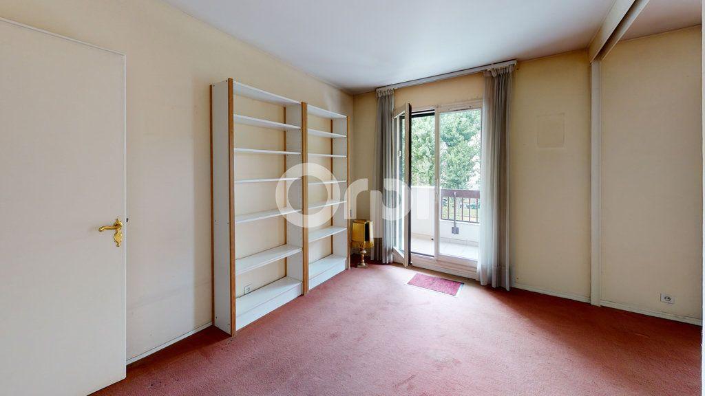 Appartement à vendre 3 65.95m2 à Montrouge vignette-9