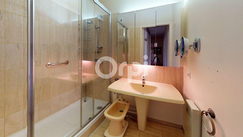 Appartement à vendre 3 65.95m2 à Montrouge vignette-10