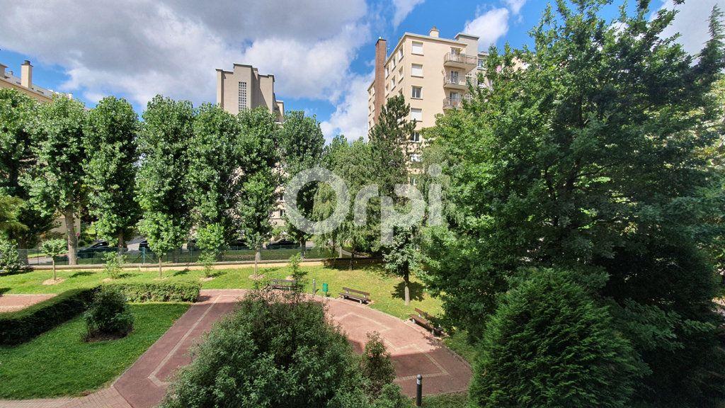 Appartement à vendre 3 65.95m2 à Montrouge vignette-11