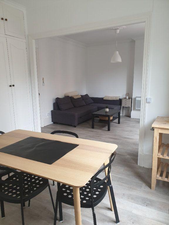 Appartement à louer 2 45m2 à Montrouge vignette-2