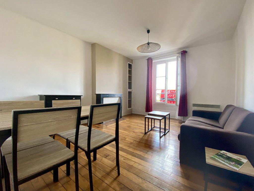 Appartement à louer 2 43.22m2 à Montrouge vignette-1
