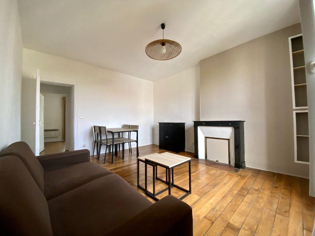 Appartement à louer 2 43.22m2 à Montrouge vignette-2