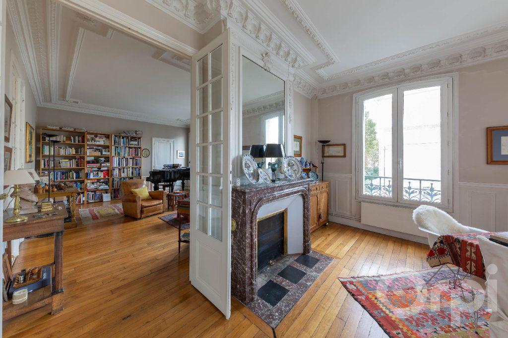 Appartement à vendre 6 173.25m2 à Paris 10 vignette-6