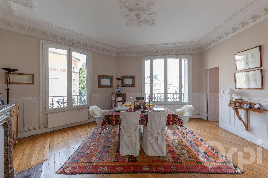 Appartement à vendre 6 173.25m2 à Paris 10 vignette-7