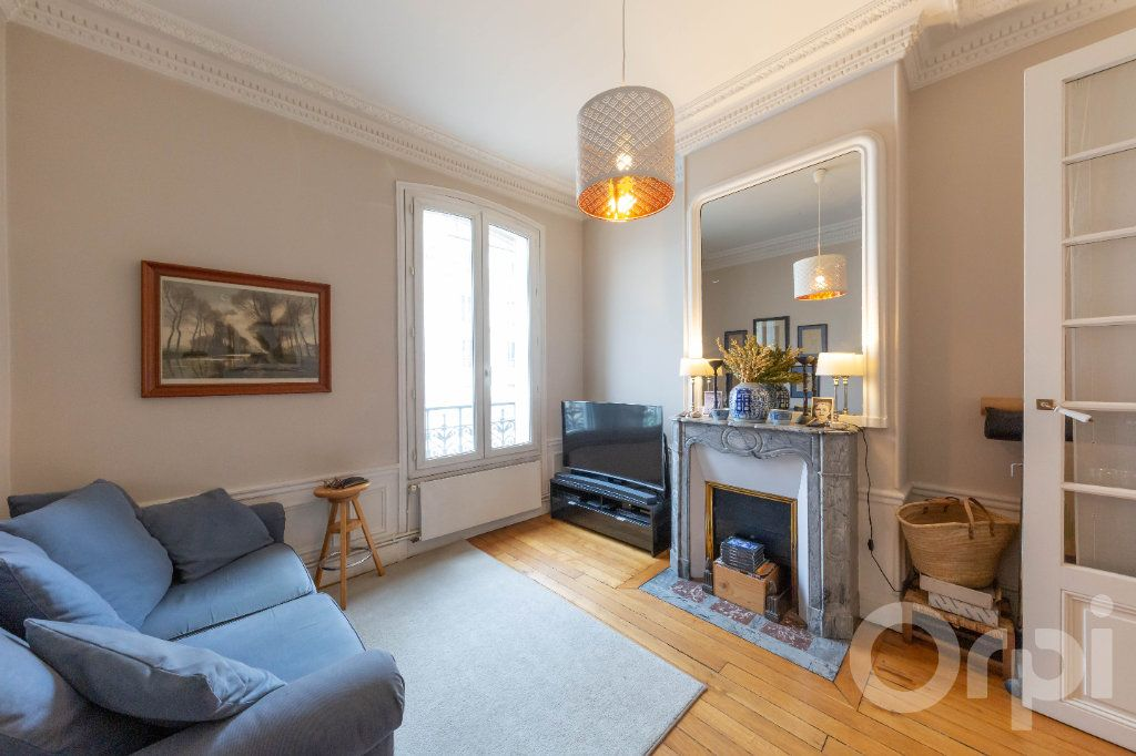 Appartement à vendre 6 173.25m2 à Paris 10 vignette-10