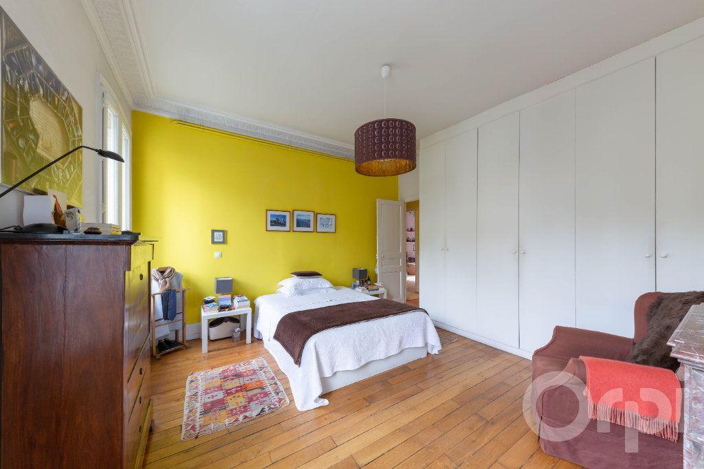 Appartement à vendre 6 173.25m2 à Paris 10 vignette-11