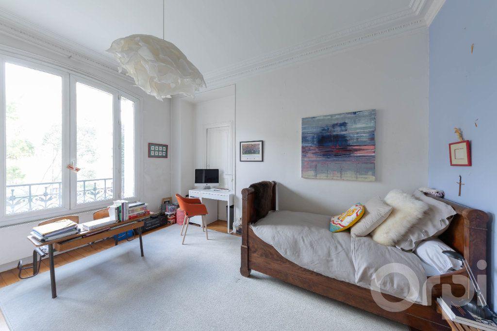 Appartement à vendre 6 173.25m2 à Paris 10 vignette-13